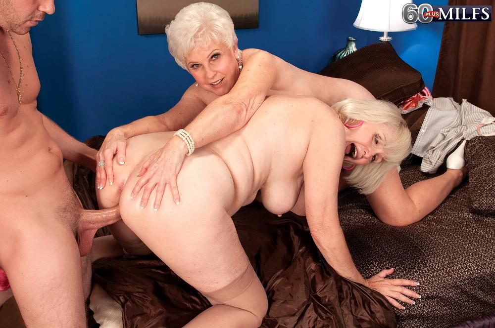 порно старушек анал группа