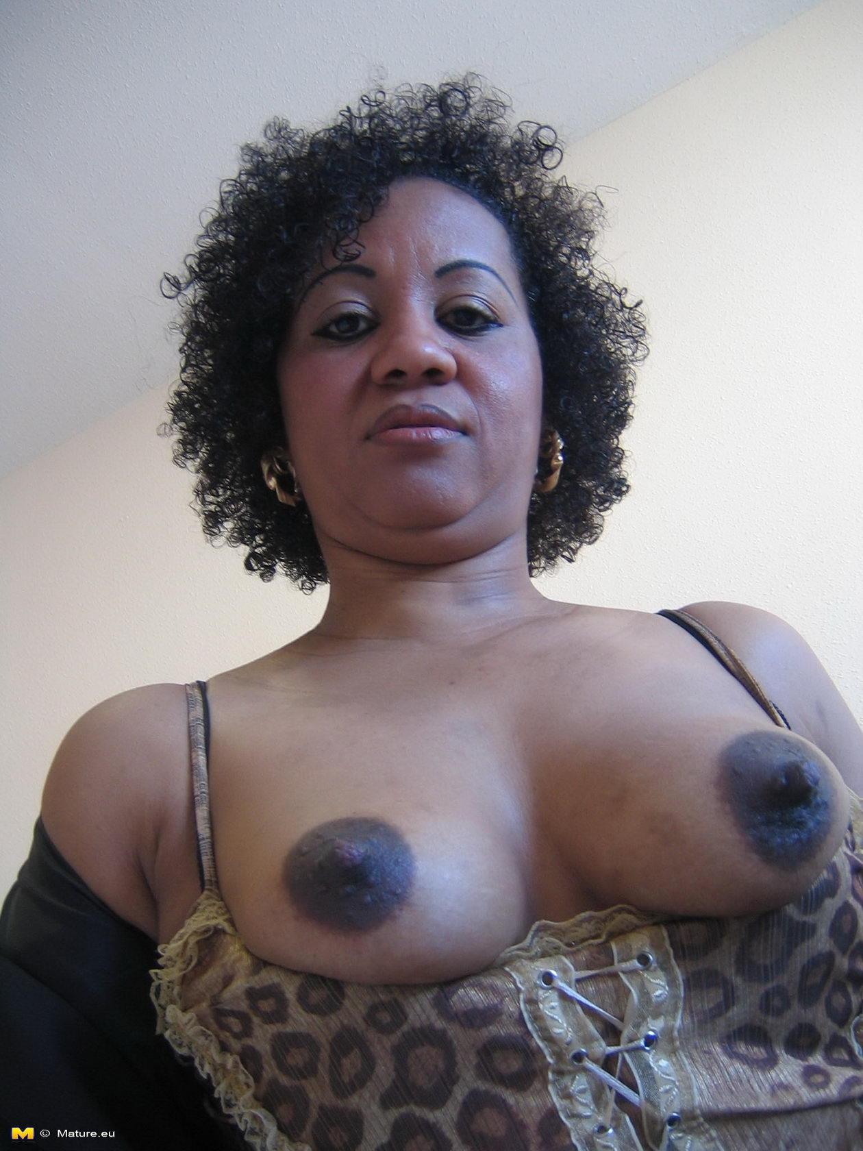 Ebony mature 3