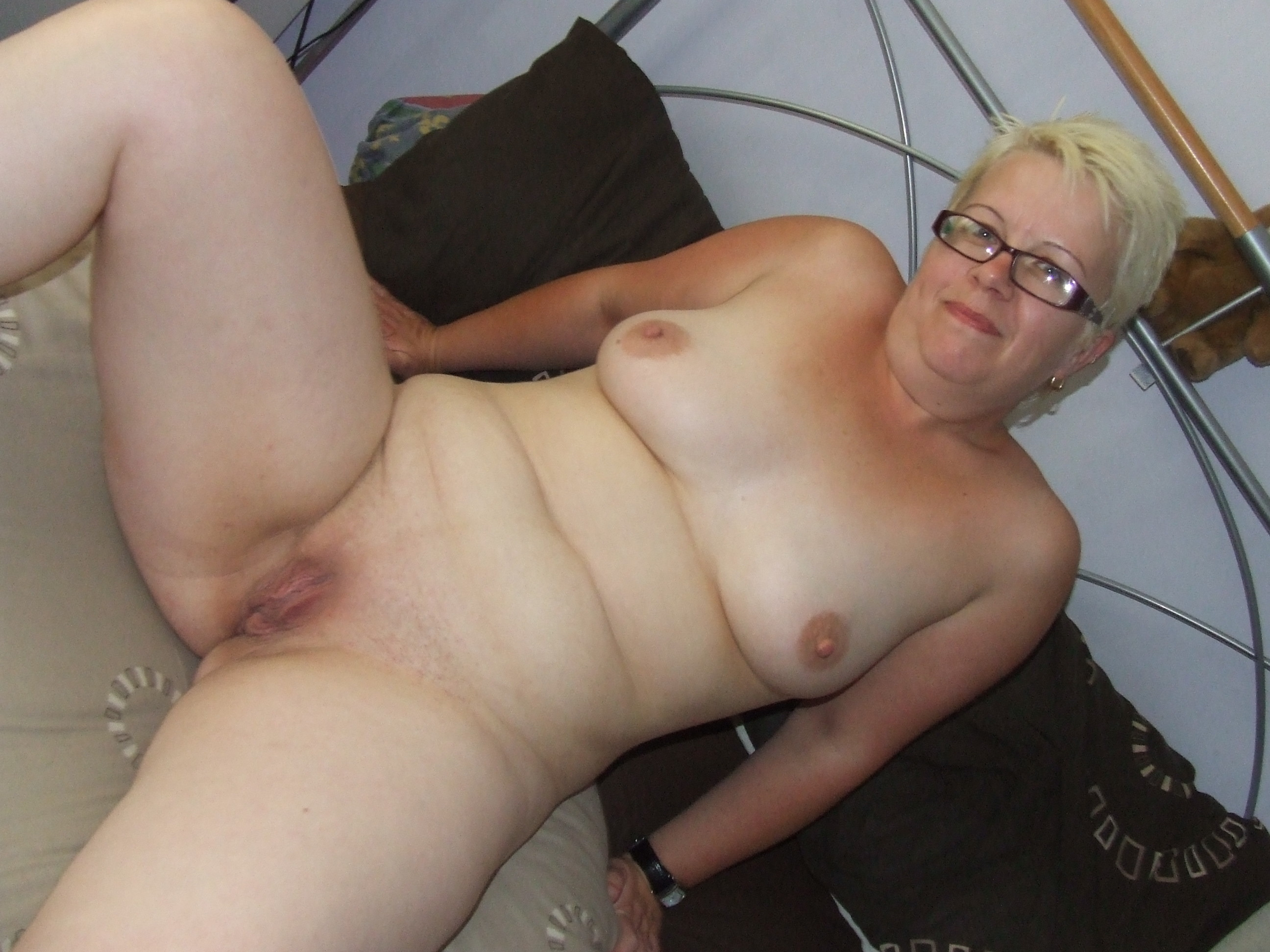 Chubby wife bound and first time anal plug 9