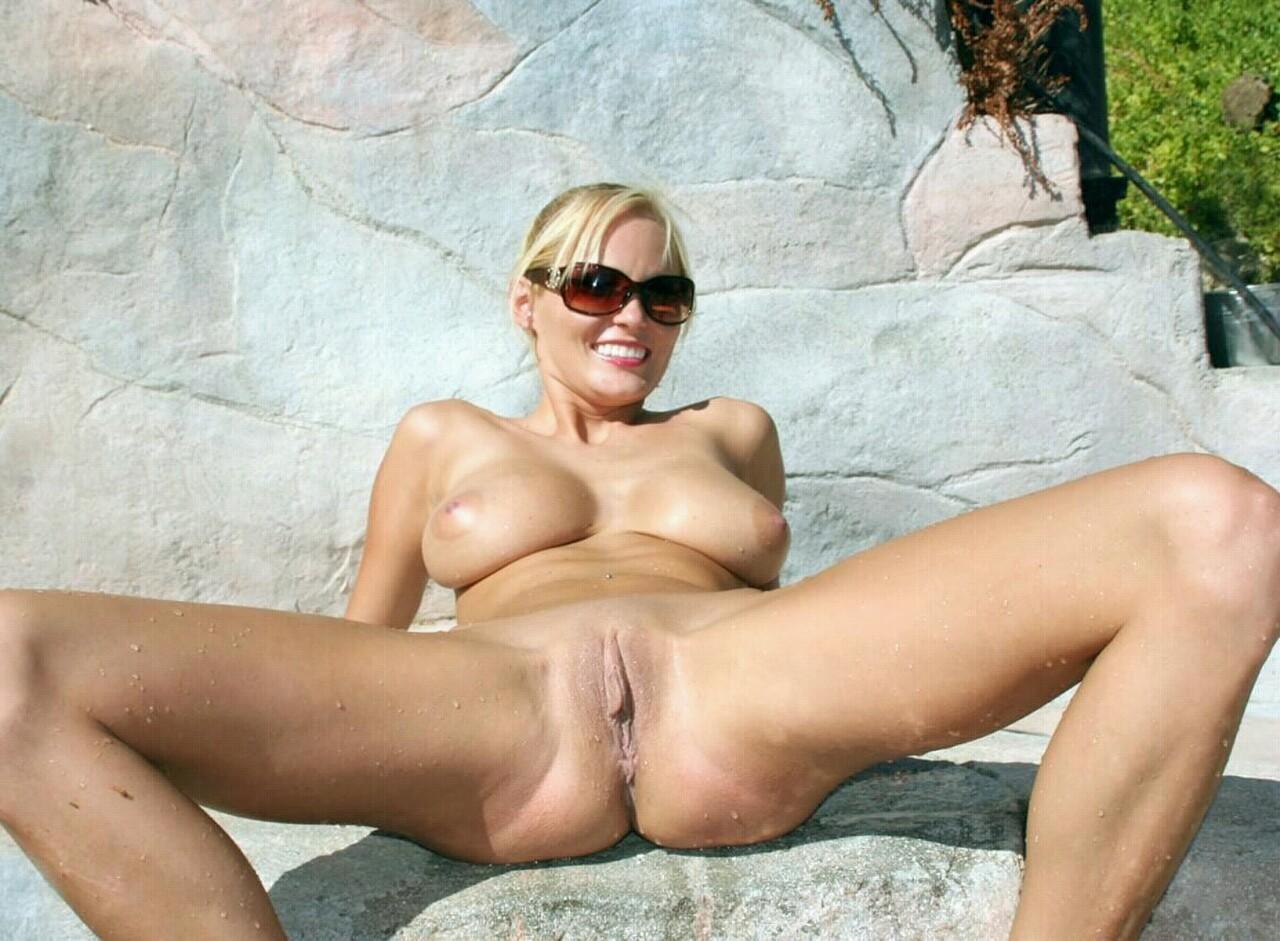 Фото голых развратных зрелых женщин 20 фотография