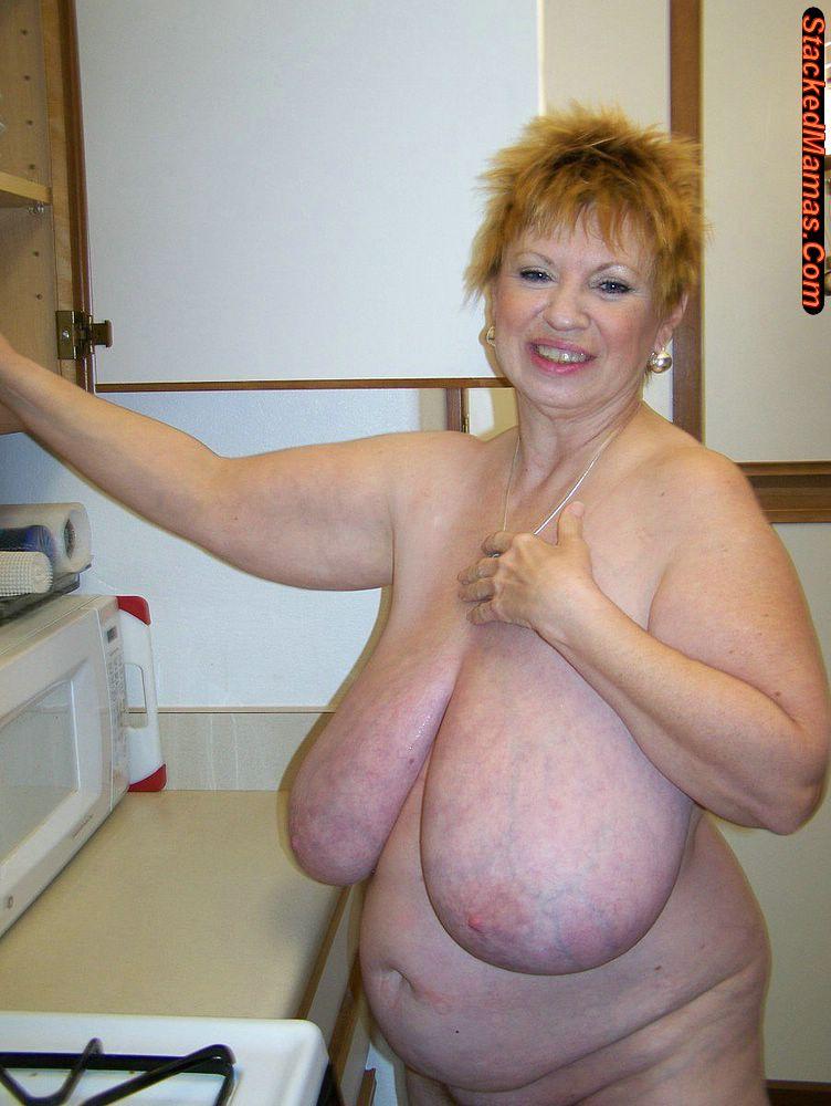 Самые большие сиськи бабушек 12 фотография