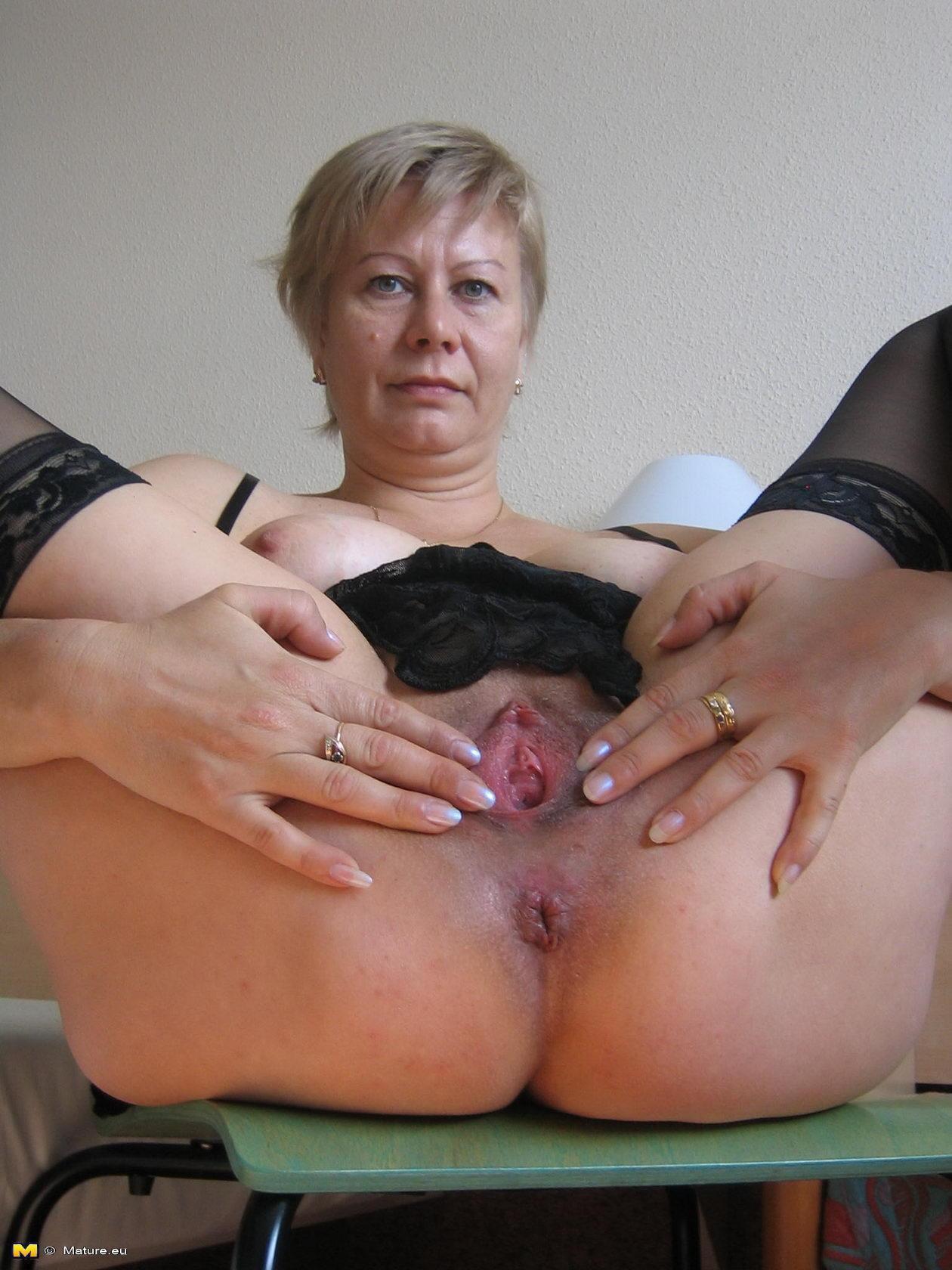 Смотреть порно как бабка довела себя до оргазма 6 фотография