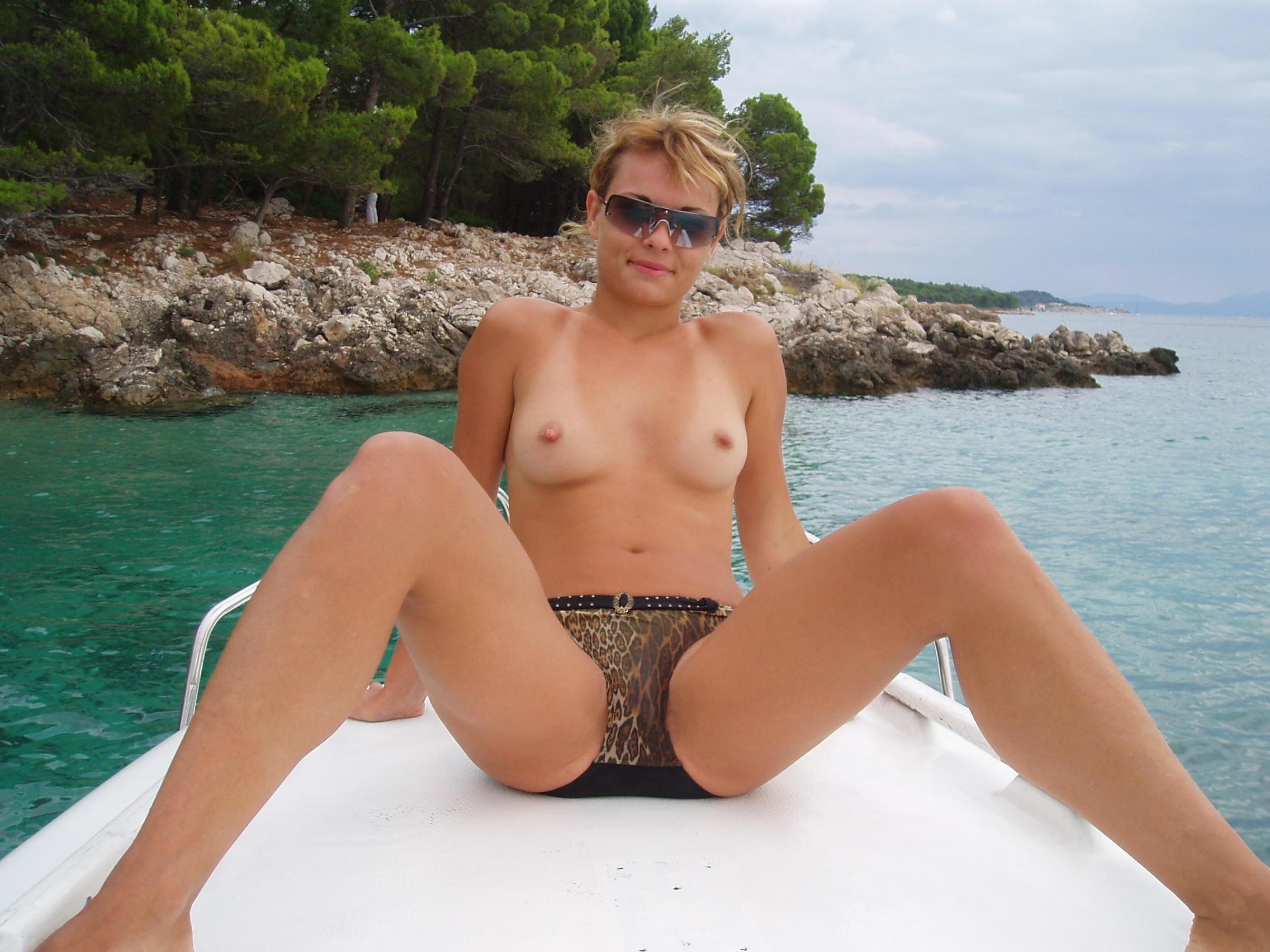 Sexy mature bikini girl voyeur