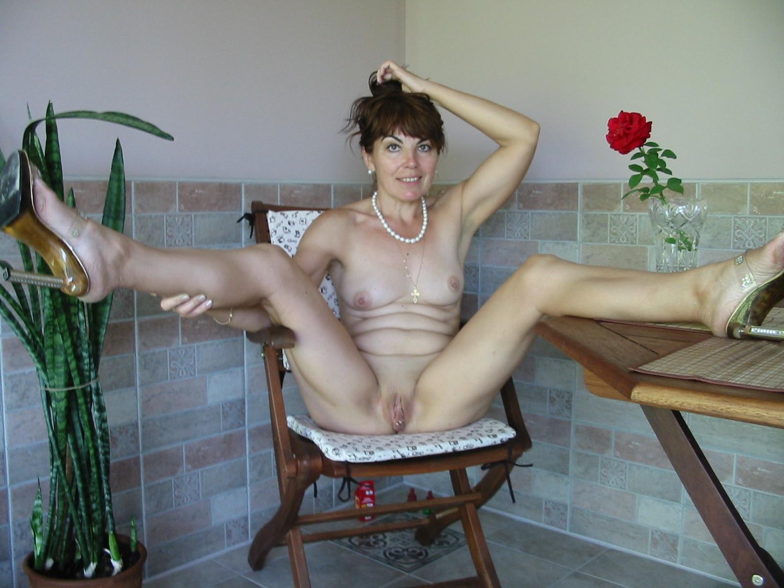 Free Mature-legs Porn Pics and Mature-legs Pictures - SEX
