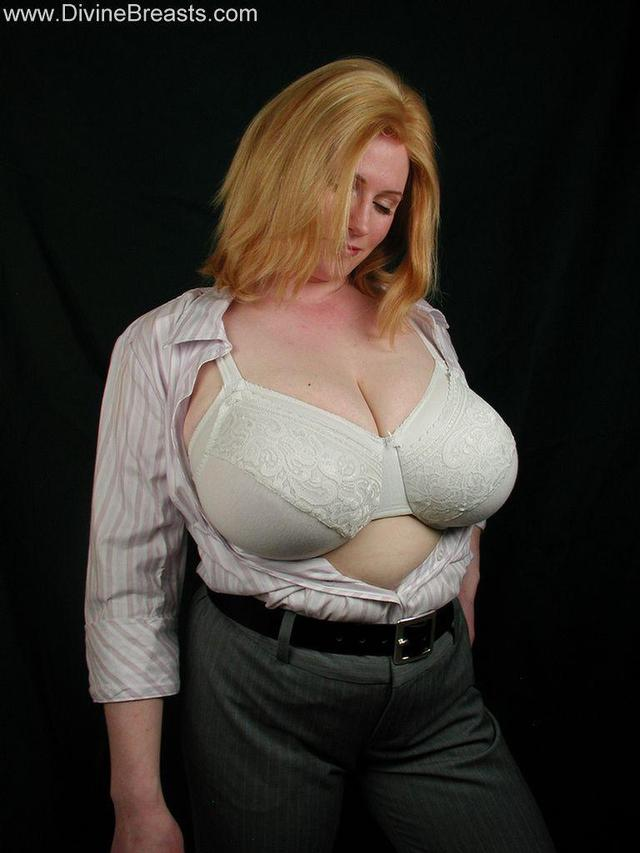 mature milf bra mature porn media bbw milf blonde photo apart bra boob ann falling