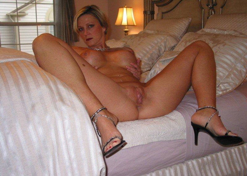 Wife pierced nipples milf
