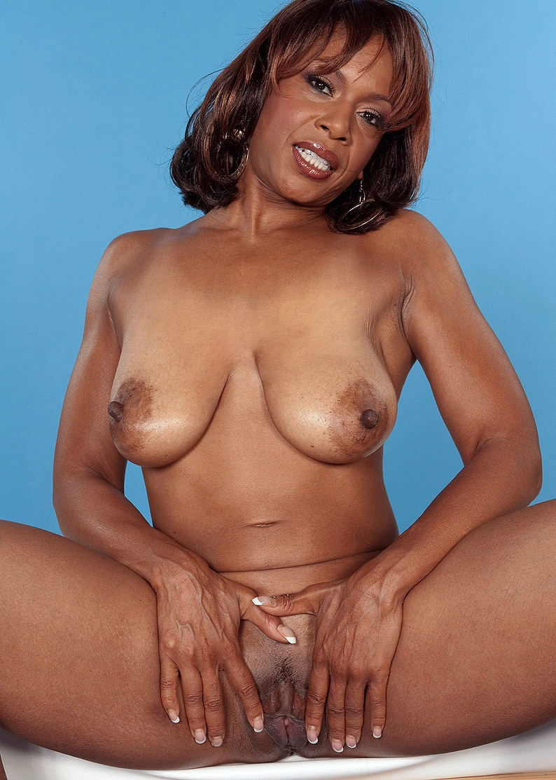 Black milf flash videos