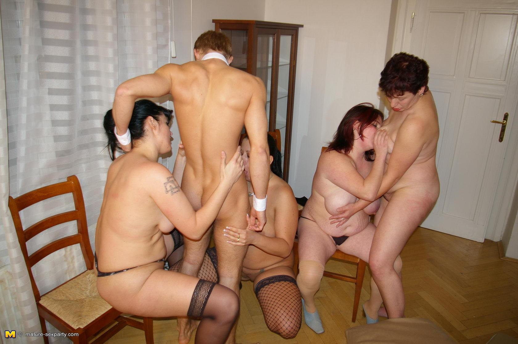 Секс фото зрелые групповуха фото 20 фотография