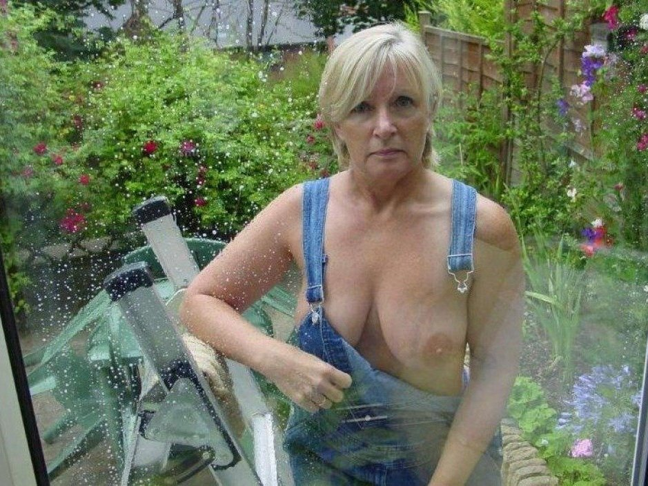 outdoor mature mature naked galleries indian wife beach sexy ladies
