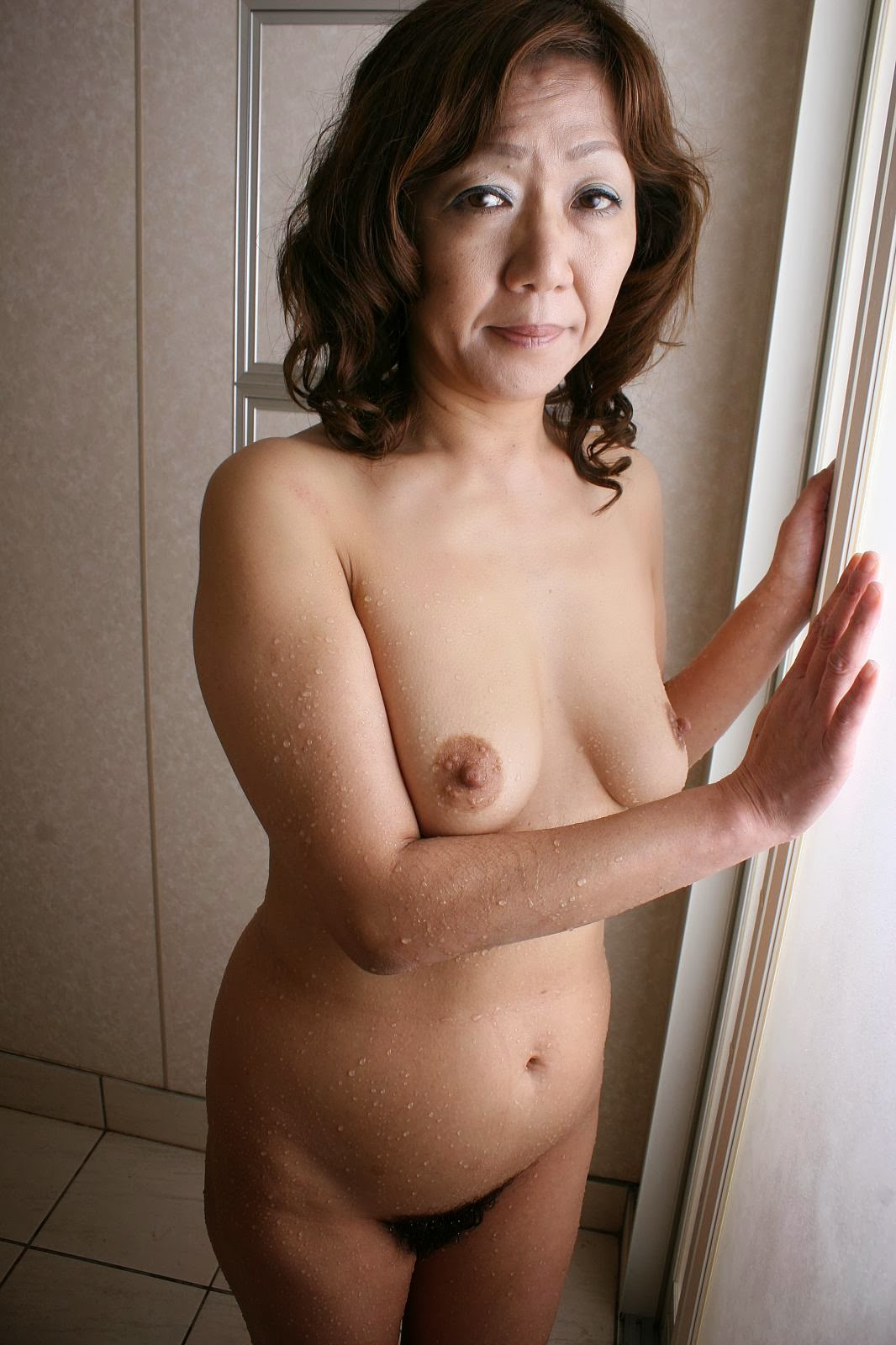 Nude mature women portraits