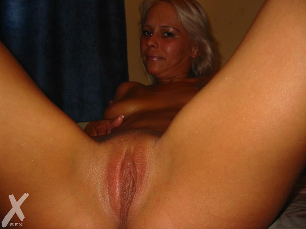 moms nude secret pictures