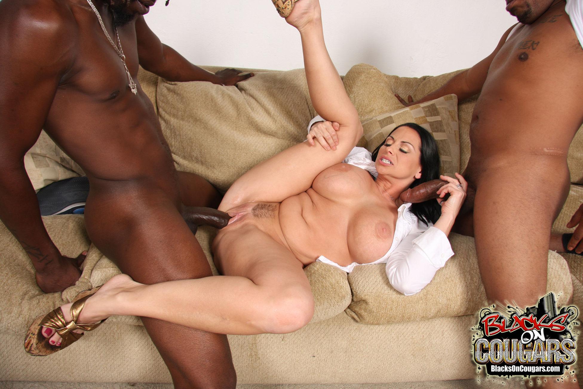 Фото негра и брюнетки секс 3 фотография