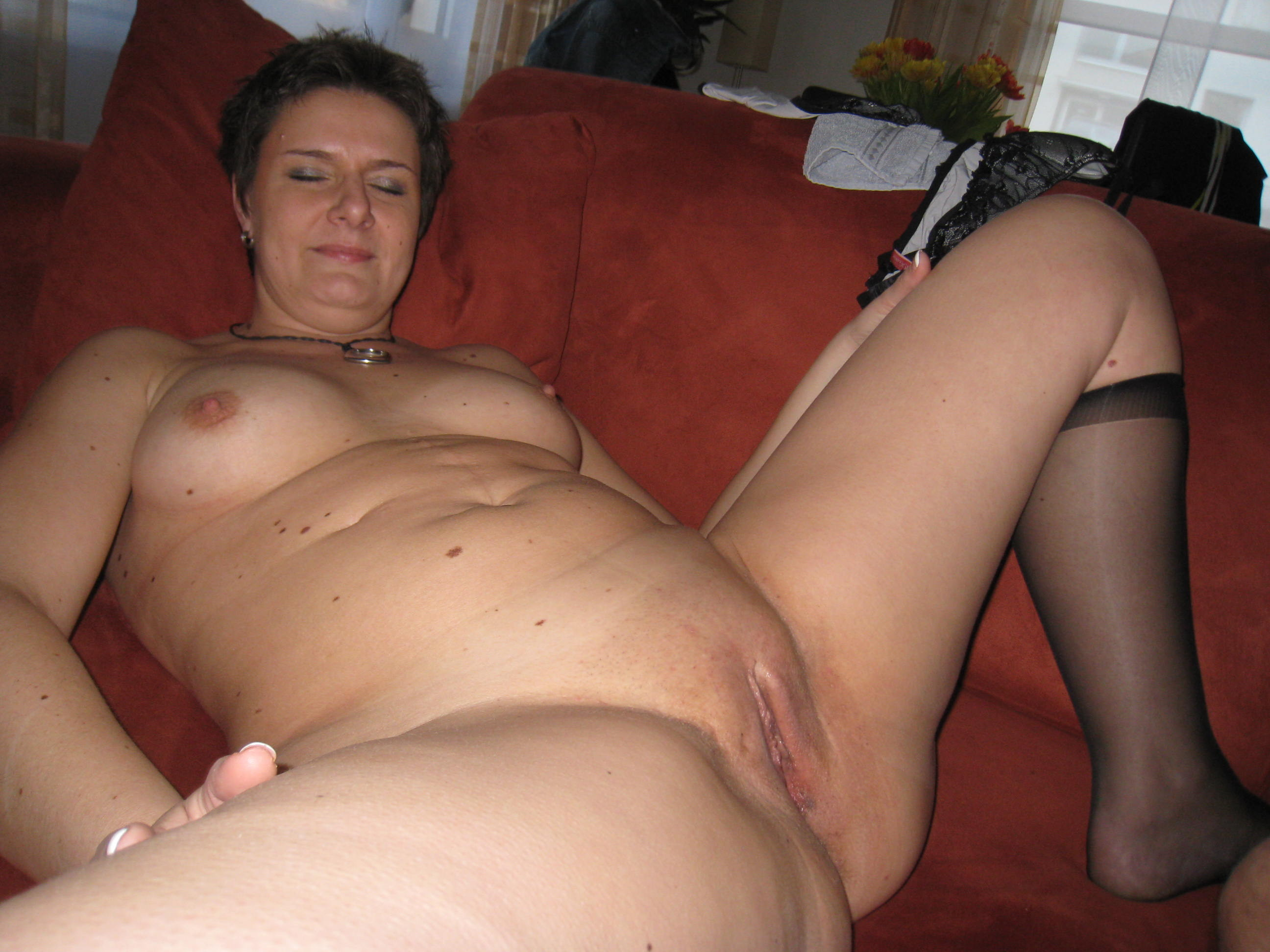 Mature Homemade Wife Threesome