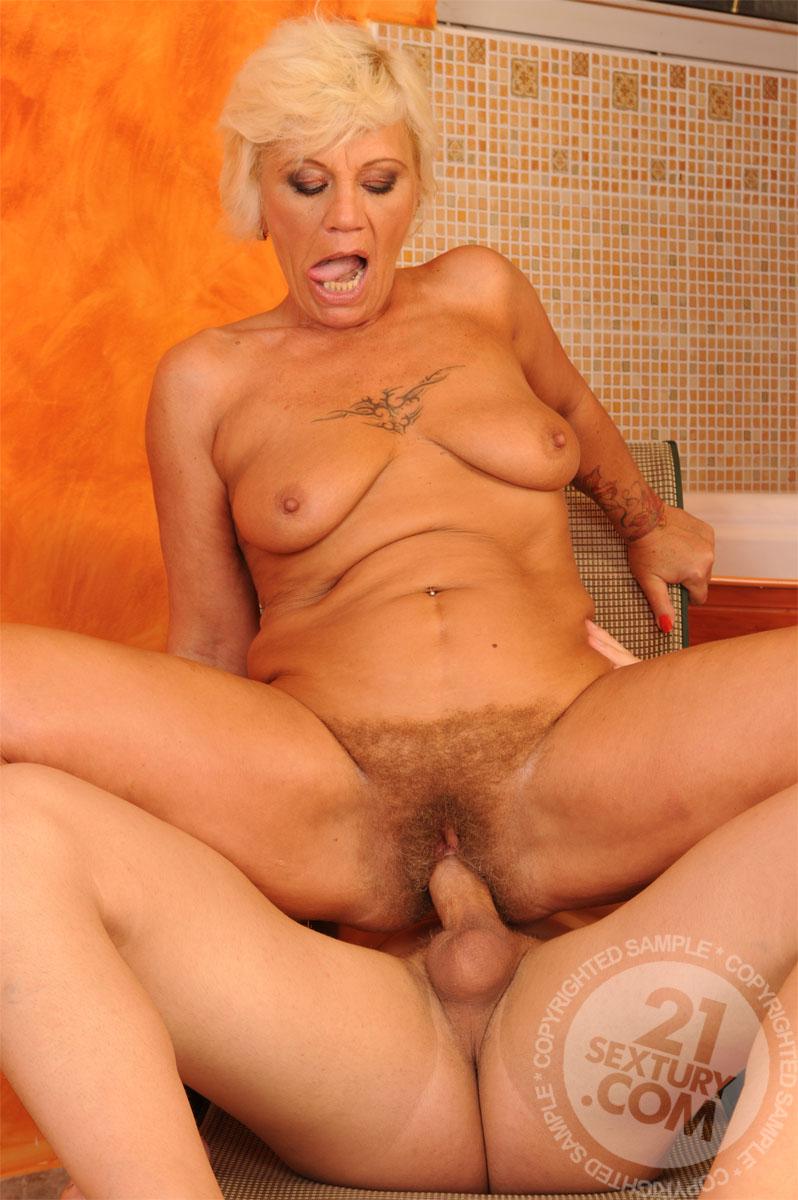 Mature Ladies - Free Porn Videos - YouPorn