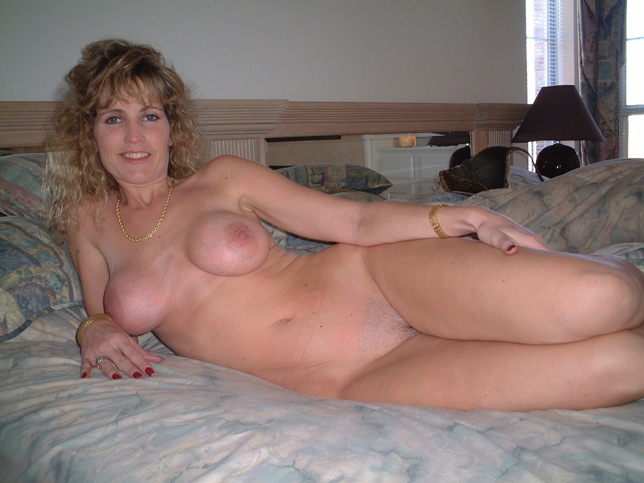 Vid She's mature real woman Sex