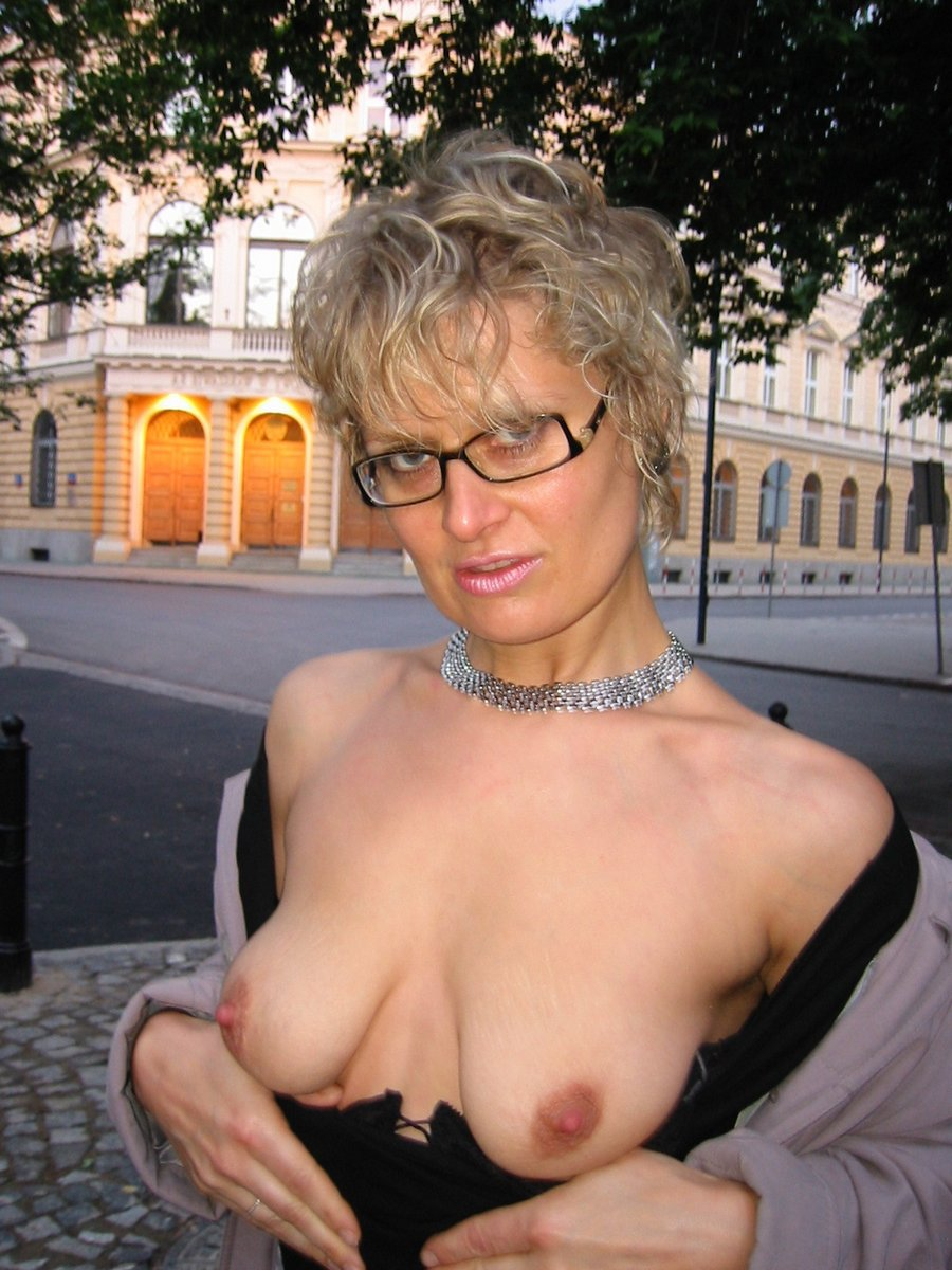 Red Milf Mature Hairy Mature Mom Galleries Milf Party Tube Beach ...