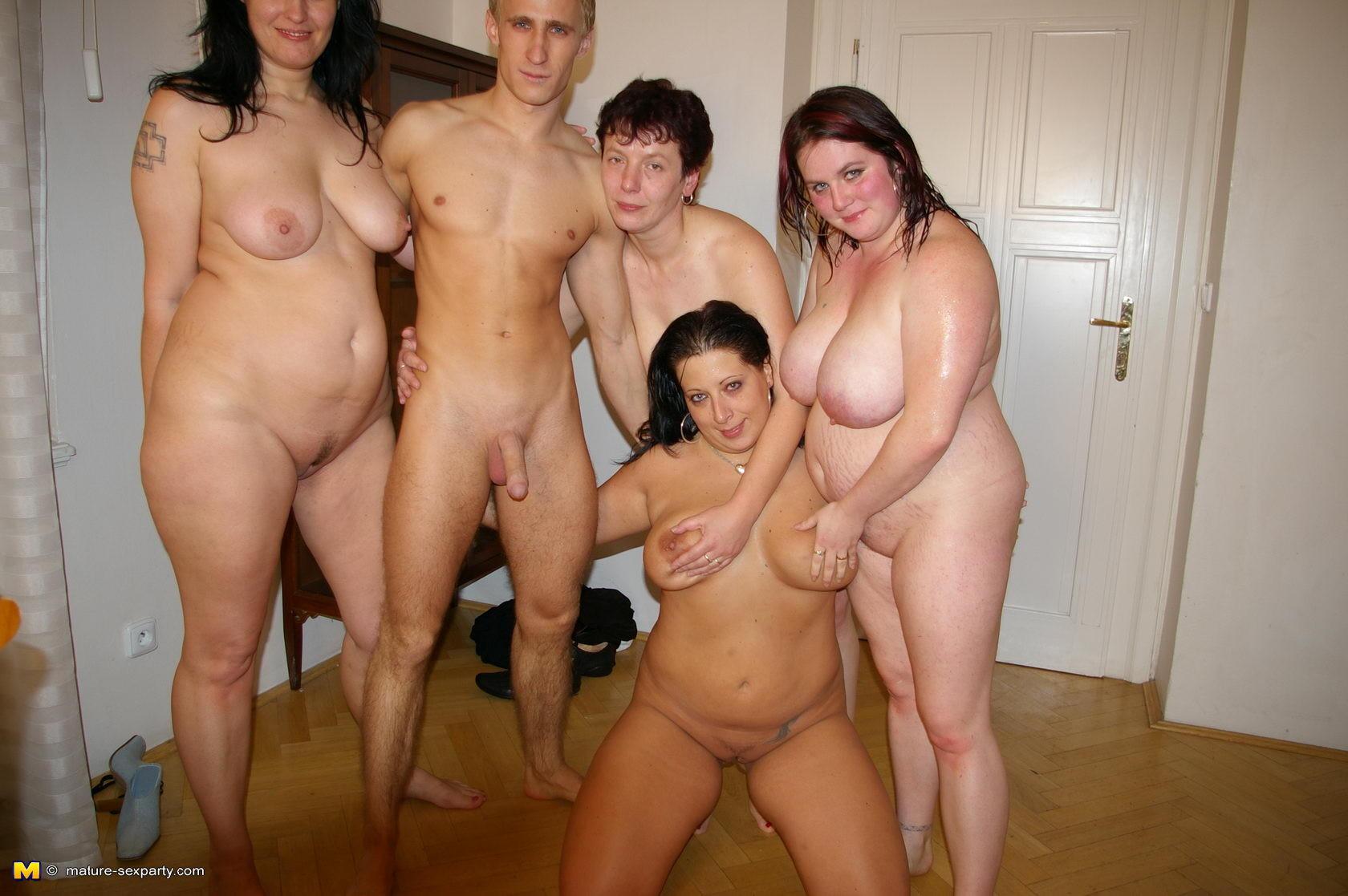 Секс мальчиков и взрослых женщин 4 фотография