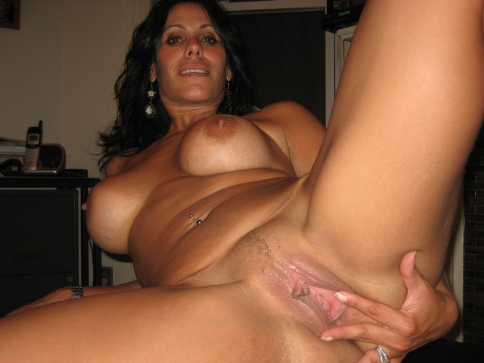 Amateur free handjob housewife