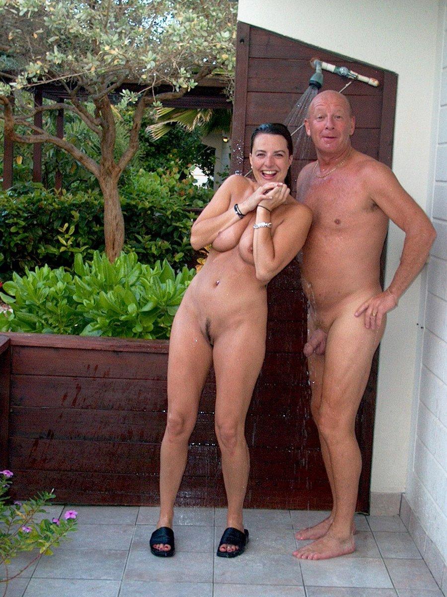 Free Mature Porn Pics and Mature Pictures - SEXCOM