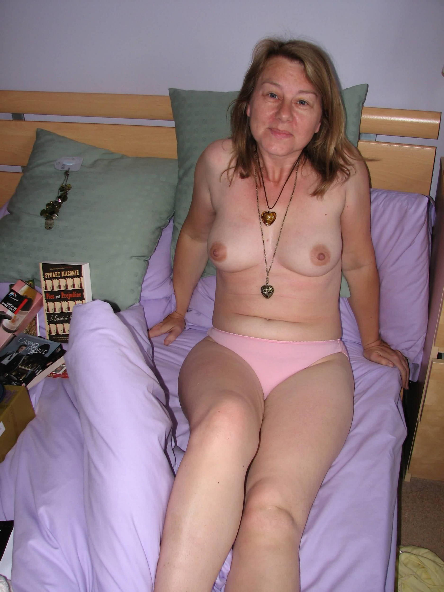 nude porn big boobs kiss