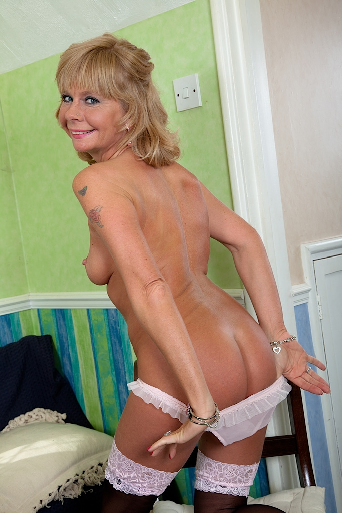 Sexy Older Woman Naked 66