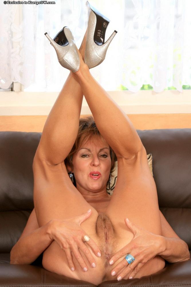 nude mom Mature shy