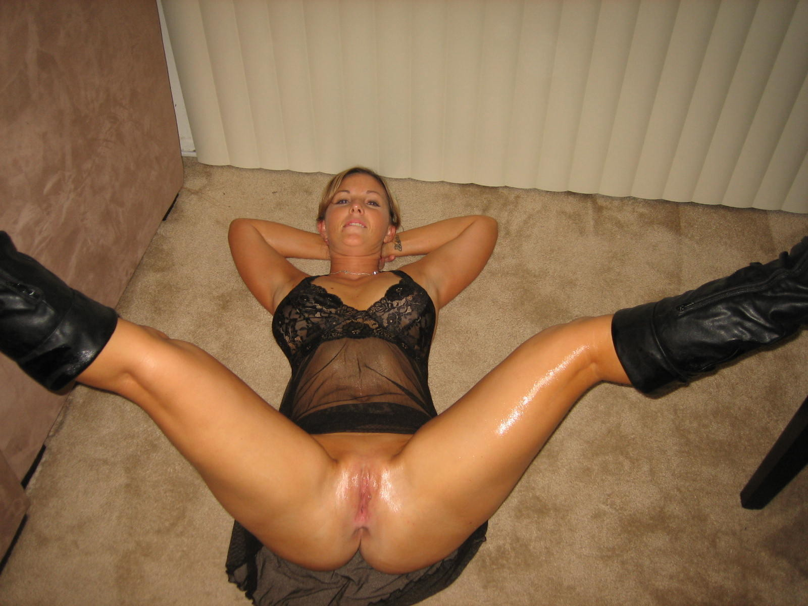 milf spreading Amature