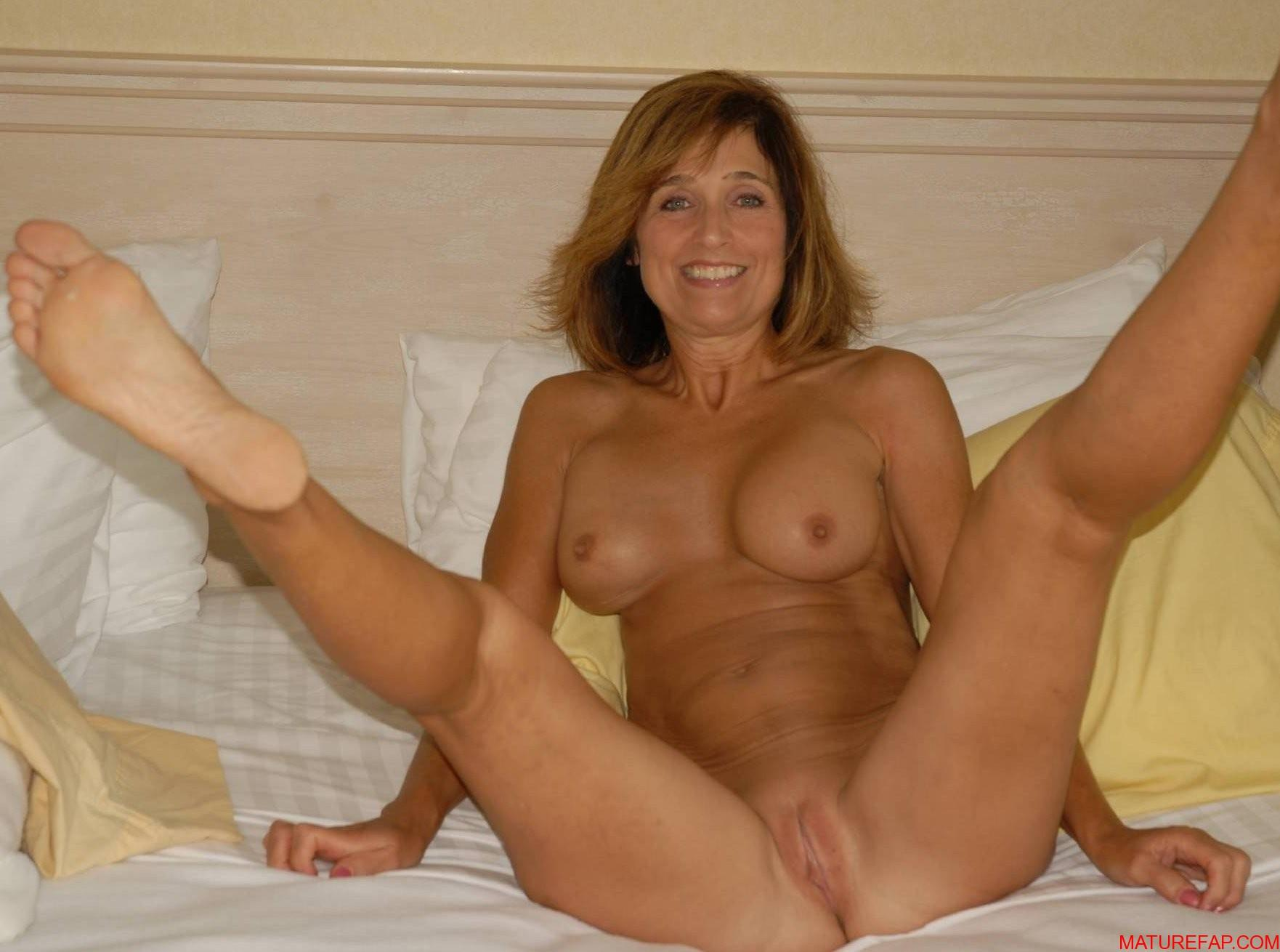 Mature nude amateur spreading moms