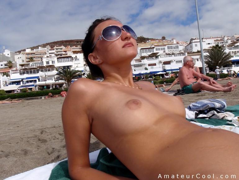 Topless Mom Pics Nude Mom Tube Beach Daughter Topless Swingers ...