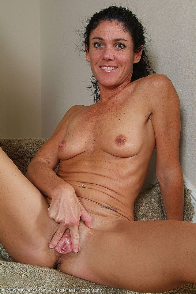 Milf undressing lesbian video