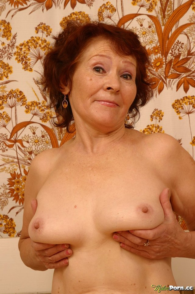 amateur oldie porn tits off oldie demonstrating hoochie smiling bedcc afbf