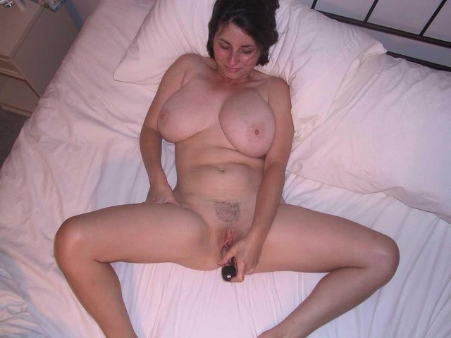 innocent lady with small tits wants her bf to satisfy her cunt