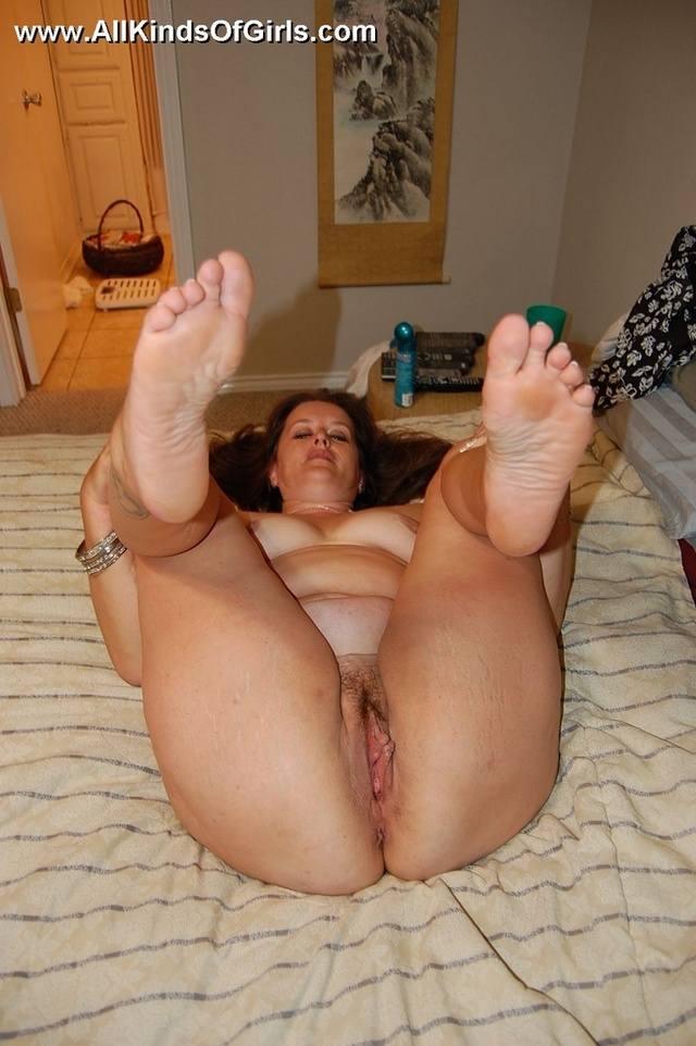 bbw mature porn galleries pussy pictures mom galleries wet spreading legs gthumb showing nice