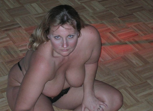 bbw mature women porn pussy woman galleries black spreading plumper plump horny girls