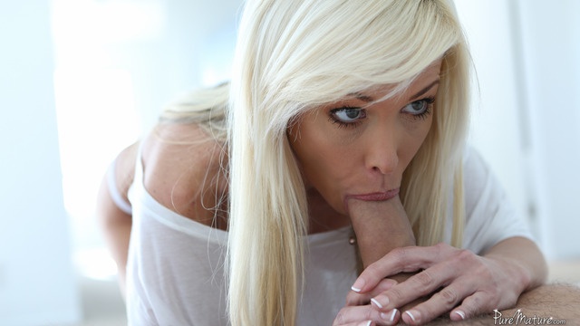 beautiful mature porn bed breakfast lyn mikki