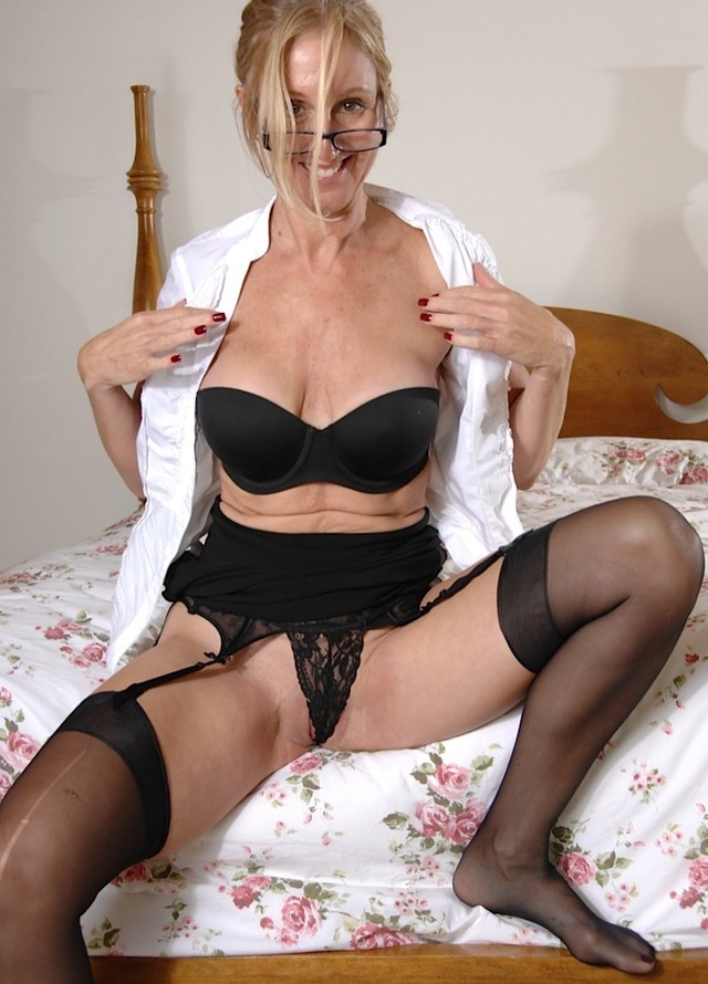 beautiful mature porn mature stockings horny titties exposing ole