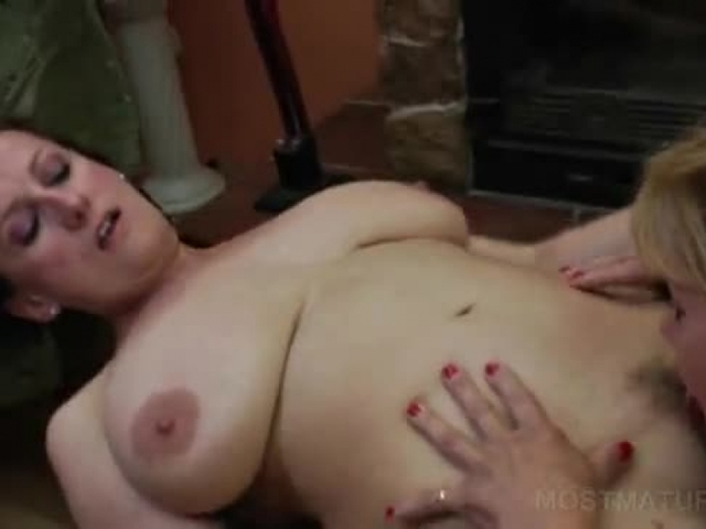 best mature lesbian porn mature porn free storage giving lesbian tyfr cunillingus
