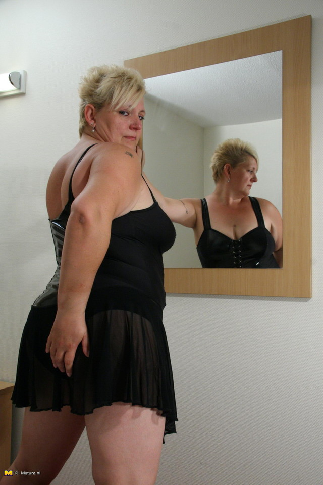 big mama mature porn gallery playing mama