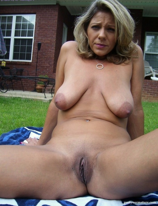 Mature women with saggy tits