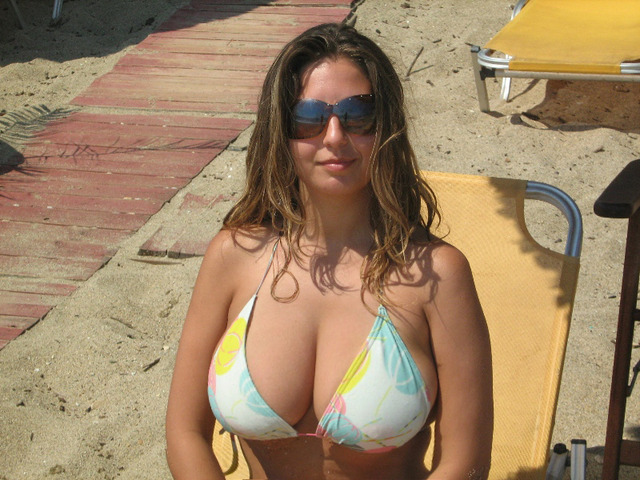 big milfs pictures milf milfs all bikini happy mothers cleavage day
