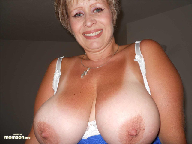 big mom tits pic mom mother blonde tits hot boobs busty american breasts hard topless nipples exposing