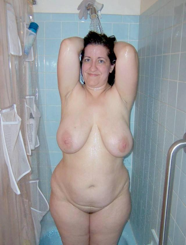 big mommy tit pics amateur porn mom photo tits saggy this