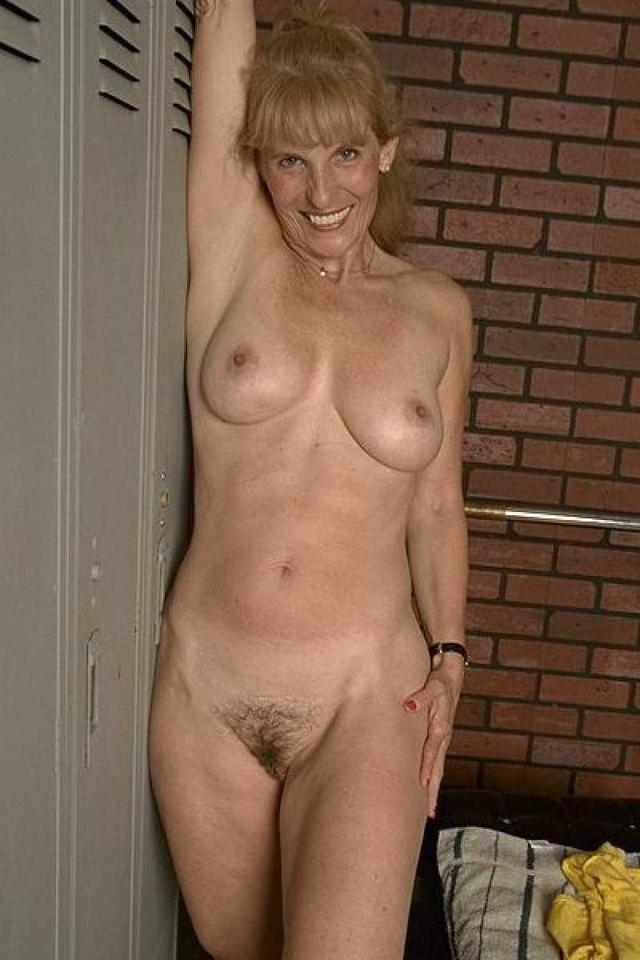 big naked moms mature mom naked hotmom