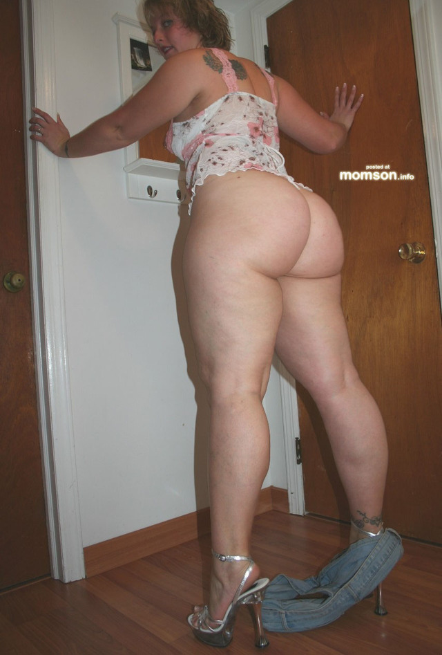 big naked moms porn pictures mom pic show down booty shorts amatuer pulled