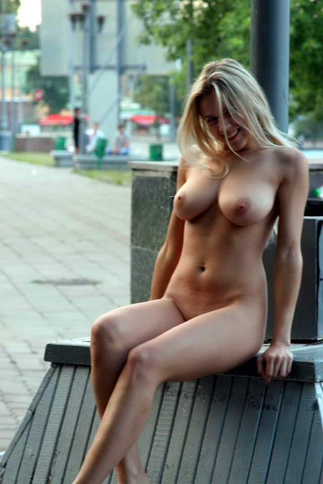 big naked mothers photos mom naked photo hot boobs flashing public super