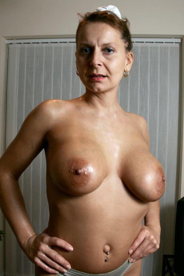 big pics mature mature ass milf blonde tits sexy huge showing off natural european poses oiled ifea