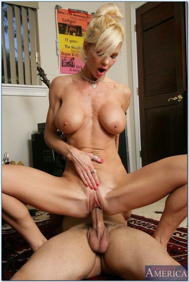 Big titty blonde christal und de bbc - 1 part 4