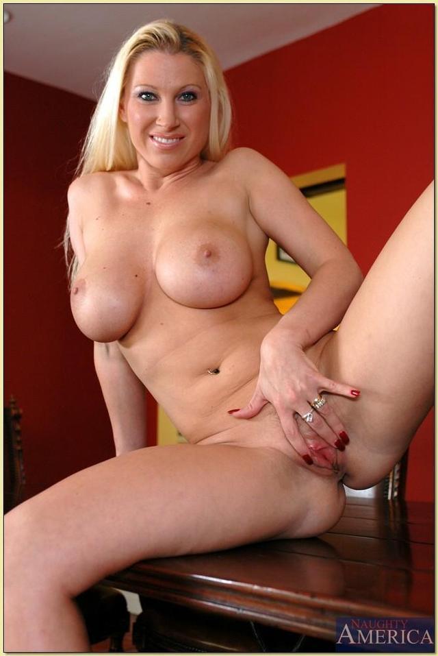 blonde moms porn pics mom naked blonde hot hotmom