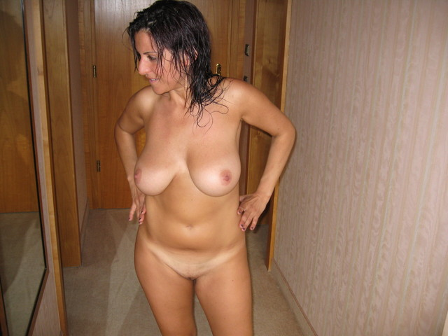 busty mature milf galleries amateur mature porn milf wife love photo spread busty