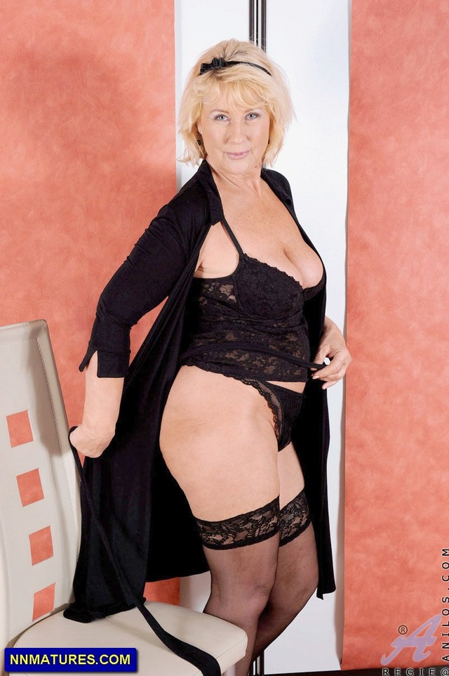 busty mature pic lady mature boobs busty from attachment anilos regie